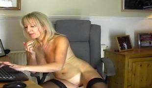 blonde milf strømper onani leketøy hd rett
