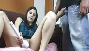 amatør tenåring brunette onani sædsprut vibrator handjob