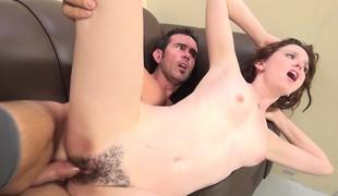 virkelighet tenåring brunette hardcore blowjob fingring små pupper hårete