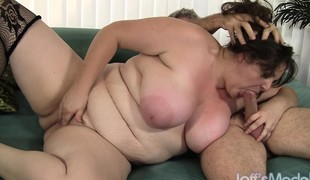 Chubby lady in stockings Joslyn Underwood has sex with an aged man