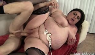 brunette hardcore store pupper blowjob strømper