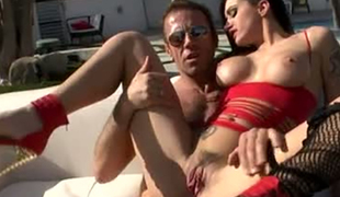 Alby Rydes cannot miss the chance to have a Trio with Rocco Siffredi