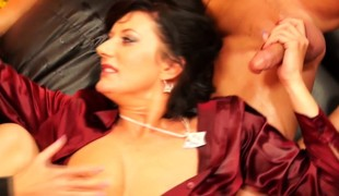 european brunette blonde milf store pupper blowjob trekant fetish hd