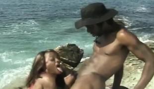 utendørs blowjob svart stor kuk strand ibenholt