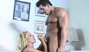 blonde slikking milf store pupper blowjob fingring mamma perfekt barmfager