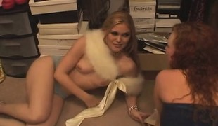synspunkt anal babe blowjob trekant doggystyle