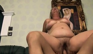 blonde hardcore blowjob fingring moden hårete bbw