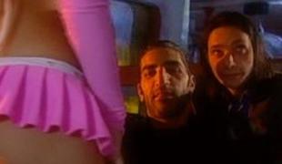 tsjekkisk brunette blowjob lingerie sædsprut facial trekant gruppesex