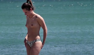 Sexy Bikini Topless Teens Close Up Voyeur HD Spy Video
