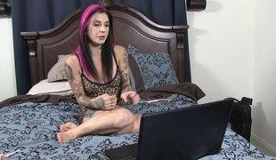 synspunkt naturlige pupper anal hardcore blowjob leketøy tatovering orgasme misjonær doggystyle