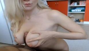 amatør naturlige pupper blonde hardcore titjob par webkamera nærhet