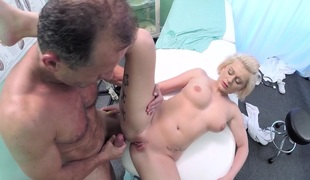 amatør blonde store pupper voyeur