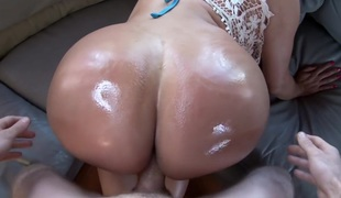Colombian Goddess With A Massive Round A-hole