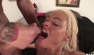 blonde hardcore blowjob onani leketøy barmfager knulling