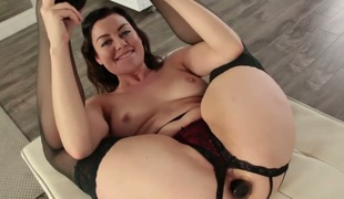 Sovereign Syre and Casey Calvert have a great time eating each others love aperture