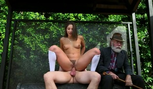 Bill Bailey shoots hos load after Brunette vixen Abella Danger with bubbly butt gives magic head job