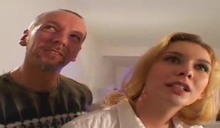 naturlige pupper anal blonde hardcore dobbel penetrasjon blowjob sædsprut trekant handjob cowgirl