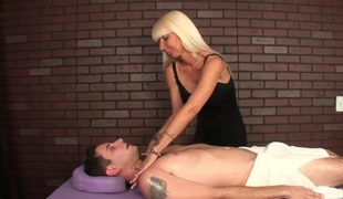 Dom milf masseuse roping balls and weenie