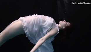 Andrejka demonstrating hawt body in artistic underwater photoshoot