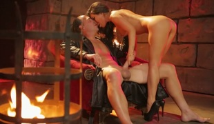 Provocative Oriental bombshell Asa Akira screwed in the dungeon