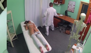 Hot Dark brown Patient returns lust the doctors large cock
