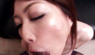 synspunkt milf blowjob lingerie strømper sædsprut mamma moden asiatisk japansk