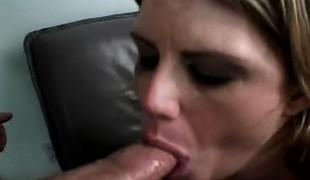 blonde hardcore dobbel penetrasjon blowjob lingerie strømper fingring handjob