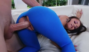 amatør brunette stor rumpe hardcore deepthroat blowjob sædsprut facial ass handjob