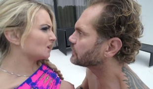 Nacho Vidal can't live without always wet warm love hole of Jemma Valentine