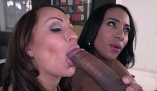 Becca Diamond has lesbo fun with lesbo Vanessa Luna