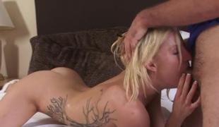 amatør blonde deepthroat tatovering par doggystyle hd rett