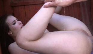 fitte ass tilbedelse bimbo puppene brunette dusj våt