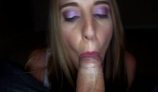 The amateur is close to the camera whilst fucking and engulfing