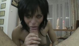 milf deepthroat dildo leketøy maskin hd sexy innsetting hals latin