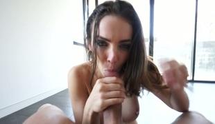 synspunkt sjarmerende vakker hardcore pornostjerne blowjob ridning handjob cowgirl