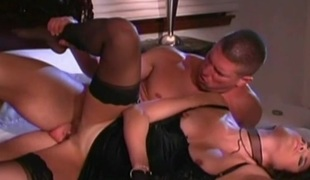 Stephanie Swift gets fucked in a hot blowjob and bang action
