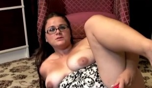 Very sexy chubby chick wants u were fucking her pussy