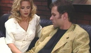 rumpehull blonde hardcore slikking pornostjerne blowjob fingring fitte par doggystyle