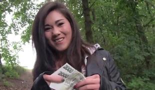 penger amatør brunette hardcore utendørs blowjob asiatisk